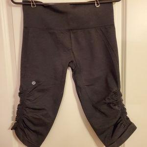 Lululemon 3/4 workout pants